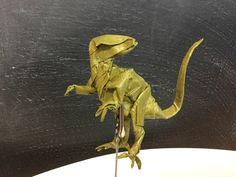 Velociraptor de Kamiya plegado por mi en papel Crumpled de 40x40. primer intento Origami, Lion Sculpture, Statue, Art, Paper Envelopes, Art Background, Paper Folding, Kunst, Gcse Art