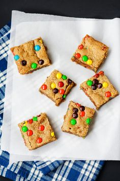 Oatmeal Peanut Butter Bars make a terrific lunchbox treat. They're kinda like Monster cookies, only better for you. Click through for recipe!