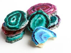 Agate Cookies - beautiful faux gemstone slices you can eat as a sweet treat! Your guests will be amazed.