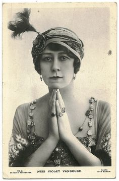 Violet Vanbrugh Beagles. Photo Rita Martin