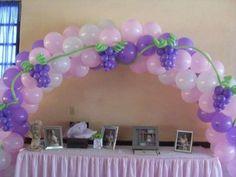 Decoración Primera Comunión: fotos ideas con globos - Primera Comunión arco con globos para decorar