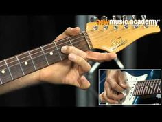 ▶ Lick of the Week 117 -- Hybrid-Picking-Lick - YouTube