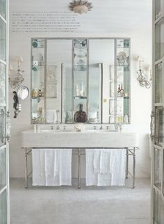 Neisha Crossland's London home. GORGEOUS bathroom