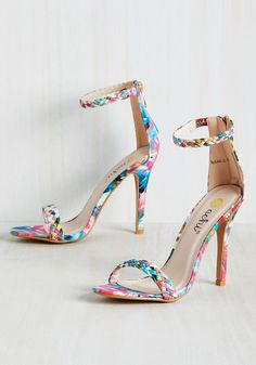 Prim the Pump Heel in Painterly. Add a flash of color to your already vibrant style by zipping on these multicolored heels for a night on the town. Stilettos, Pumps Heels, High Heels, Blue Pumps, Cute Shoes, Me Too Shoes, Rainbow Heels, Vintage Heels, Retro Vintage