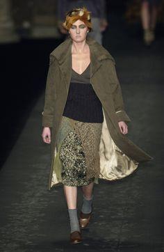 200 photos of Dries Van Noten at Paris Fashion Week Fall 2003.