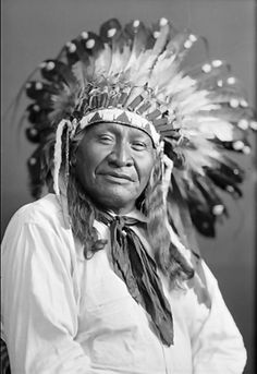 Native American Images, Native American Artwork, Native American Tribes, Native Americans, Mountain Man, Native Indian, First Nations, People Around The World, Vintage Photos