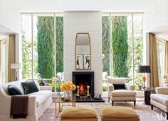 Hotelier Jeff Klein and producer John Goldwyn called on Madeline Stuart to rework the interiors of their bright Hollywood Hills home California Bungalow, California Homes, Hollywood Hills Homes, Montana Homes, Design Salon, Los Angeles Homes, Celebrity Houses, Architectural Digest, Living Room Designs