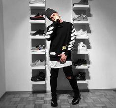 Best Streetwear Brands, Streetwear Fashion, Top Streetwear, Beastie Boys, Off White Fashion, Mode Hip Hop, Yeezy Outfit, Ripped Jeans Men, Stylish Jeans
