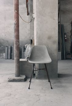 D'Hauteville Concrete Chair is a praise to the raw material. This chair is a contemporary adaptation of a chair from the 50's. Thanks to a refined production process this chair is unexpectedly soft and comfortable.