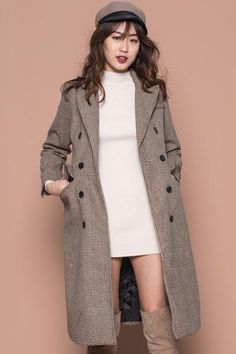 Ready for your next holiday? This Sherlock Coat is the perfect layering coat for the perfect OOTD for your next get away. When worn alone, without layering, great for temperatures from 10-20 degrees.