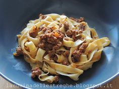 La cucina delle streghe: Ragù alla bolognese Bolognese, Lasagna, Macaroni And Cheese, Spaghetti, Ethnic Recipes, Food, Mac And Cheese, Essen, Meals