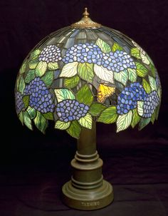 Hydrangea Lamp | Tashiro Stained Glass, Japan.