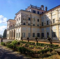 """""""Mi piace"""": 34, commenti: 7 - Benjamin Ransom (@benir5) su Instagram: """"For a couple months, I will live in this villa near Rome and learn Latin. What a life #villa #rome…"""""""