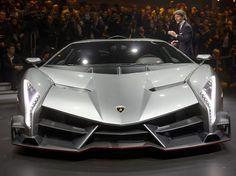 A Lamborghini apresenta nesta terça-feira em Genebra, na Suíça, um superesportivo que celebra os 50 anos da marca neste ano.