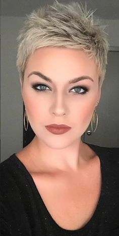 Amazing short blonde pixie haircut - All For Hairstyles Blonde Pixie Haircut, Short Blonde Pixie, Short Pixie Haircuts, Pixie Hairstyles, Blonde Hair, Gray Hair, School Hairstyles, Trendy Hairstyles, Wedding Hairstyles