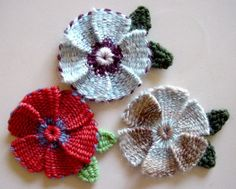 Woven Flowers made on the Clover Hana-Ami loom by knittingand, via Flickr