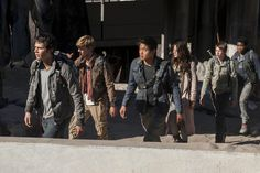A screenshot from The Maze Runner: The Scorch Trials of all the characters walking out into the scorch.