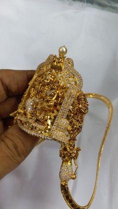 Vanki Designs Jewellery, Gold Mangalsutra Designs, Gold Jewellery Design, Gold Jewelry, Indian Wedding Jewelry, Indian Jewelry, Bridal Jewelry, Labret Jewelry, Simple Jewelry