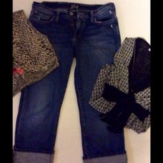 Lucky Brand Jeans Capri Size 28 size 6 Great pair of Lucky Brand Jeans Capri Size 6 Lucky Brand Jeans Ankle & Cropped
