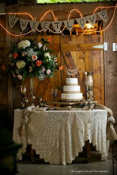 """Sweet Love"" | 19 Wedding Cake Ideas | Blume Photography"