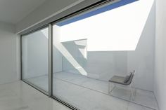 Gallery of Pati Blau House / Fran Silvestre Arquitectos - 32 Minimalist Architecture, Amazing Architecture, Contemporary Architecture, German Architecture, Contemporary Homes, Piscina Rectangular, Agi Architects, Black Furniture, White Tiles