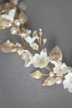 LYRIC floral bridal headpiece 5 Headpiece Wedding, Wedding Veils, Bridal Headpieces, Boho Wedding, Floral Headpiece, Wedding Ideas, Wedding Crafts, Wedding Ceremony, Wedding Inspiration