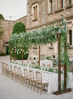 romantic weddings in France - photo by Greg Finck http://ruffledblog.com/must-see-sophisticated-chateau-wedding-in-cannes