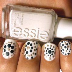 Inspired by .... glittr  #tjakasasnails #nagellack #essie #essieblanc #white #weiß #nailart #nageldesign #inspired #nailsart #cutenails #dotticure #beauty #drogerie #dm #not