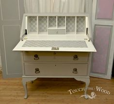 Shabby Chic Bureau with Stencil no. 32 - Touch the Wood Funky Furniture, Recycled Furniture, Shabby Chic Furniture, Furniture Making, Furniture Makeover, Vintage Furniture, Painted Furniture, Shabby Chic Nest Of Tables, Upcycled Furniture Before And After