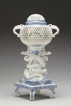"Incense Burner (""Koro"") Supported by Entwined Dragons · The Walters Art Museum · Works of Art"