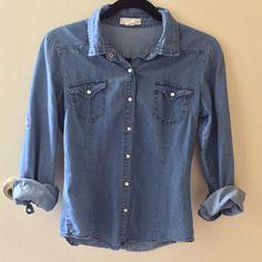 Denim shirt Cute denim shirt! Tops Button Down Shirts