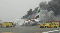 إخلاء 275 راكبا من الطائرة الإماراتية بسلام و إغلاق مطار دبي جزئيا لمد ساعة