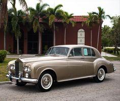 Rolls Royce Limousine, Rolls Royce Cars, Bentley Automobiles, Vintage Cars, Antique Cars, Classic Aston Martin, Rolls Royce Silver Cloud, Classic Cars British, Beetle Convertible