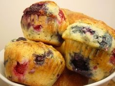 A muffin recipe very easy! Muffin Tin Recipes, Fruit Recipes, Sweet Recipes, Baking Recipes, Dessert Recipes, Fruit Muffin Recipe, Recipies, Berry Muffins, Blueberries Muffins