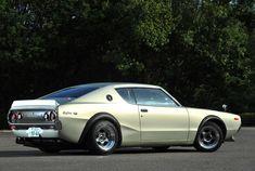 """ロッキーオート ケンメリ スカイライン GT-R 中身はR32型、外身はケンメリ。旧車生活の概念を覆す""""スーパーGT-R""""の勇姿"""