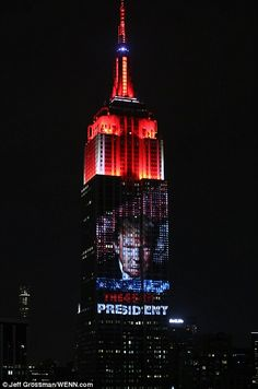 Trump takes over the Manhattan skyline: Empire State Building displays a YUUGE picture of President's face Donald Trump Face, Showers Of Blessing, Political Culture, Pray For America, Evil Empire, Election Night, Trump Train, Story Of The World, Trump Wins