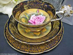 Ooooh! $425! Love the center pink rose - so life like - #Teacup & #saucer