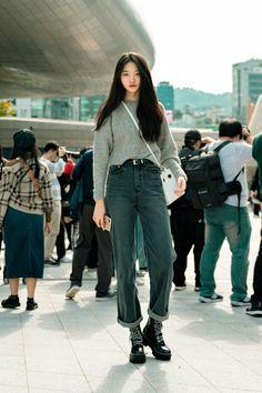 Seoul Fashion, South Korea Fashion, Tokyo Street Fashion, Korean Street Fashion, Fashion Week, Look Fashion, Fashion Outfits, Korea Style Fashion, Asian Fashion