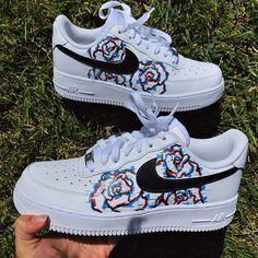Jordan Shoes Girls, Girls Shoes, Cool Shoes For Girls, Ladies Shoes, Cute Nike Shoes, Nike Custom Shoes, Customised Shoes, Custom Sneakers, Custom Tennis Shoes