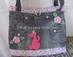 Bolsa Jeans com detalhes e forro em tecido de algodão R$ 90,00