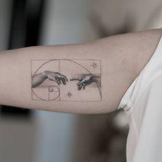 By Luis Cavanna done at Por Vida Tattoo & Piercing Madrid. Mini Tattoos, Body Art Tattoos, Small Tattoos, Tatoos, Fibonacci Tattoo, Pretty Tattoos, Beautiful Tattoos, Future Tattoos, Tattoos For Guys