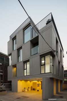 Dynamicness of Cube, Sadang-dong multi-family house Architecture Mapping, Residential Architecture, Architecture Details, Building Facade, Building Design, Building A House, Modern Condo, Modern House Design, Facade Design