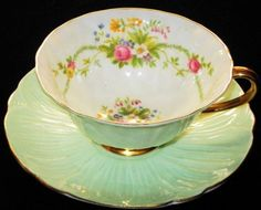 SHELLEY OLEANDER GREEN WHITE ROSE GARLAND BOUQUET TEA CUP AND SAUCER
