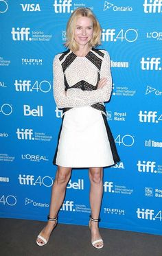 Festival de Toronto 2015. Naomi Watts de Burberry Prorsum Resort 2016