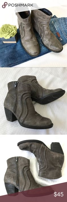 """BORN GRAY LEATHER HEELED SIDE ZIP BOOTIES SIZE 8 Adorable BORN brand heeled leather gray booties. Size 8. Leather upper and made made sole. They feature an exterior zipper that measures 6"""". Heel that measures 3"""" and piping detail. There are a few scuffs and creasing but overall in excellent condition. Born Shoes Ankle Boots & Booties"""