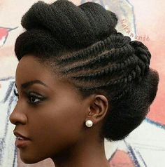 Many ladies like loves the natural hair trend, but not many know that starting the natural hair journey isn't a very easy thing to do, there are a lot of things to put into consideration.Things To Consider Before Starting The Natural Hair Journey Pelo Natural, Natural Hair Updo, Natural Hair Care, Natural Hair Styles, African Hairstyles, Braided Hairstyles, Hairstyles 2018, Classic Hairstyles, Black Hairstyles