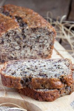 The Best Low Carb Banana Bread Recipe (Keto-Friendly) Banana Bread Low Carb, Best Low Carb Bread, Flours Banana Bread, Lowest Carb Bread Recipe, Healthy Bread Recipes, Low Carb Chicken Recipes, Banana Bread Recipes, Low Carb Recipes, Best Fat Burning Foods