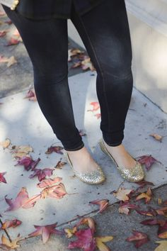 What to Wear on Thanksgiving, thanksgiving outfit, fall outfit, glitter flats, sam edelman