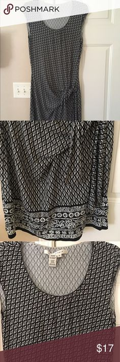 Max Studio Medium Faux Wrap Dress Excellent condition Medium black and white micro patterned Max Studio dress. Faux wrap is very flattering on midsection. Soft material with nice drape for a little more pizzaz. Reposhed as it doesn't work for my body type. Beautiful dress! Max Studio Dresses Midi