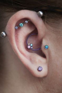Ok New Piercing Lineup For My Right Ear A Triple Outer Conch A Tragus A Daith And A Single Lobe Piercing Daith Piercing Done By Jared Silverman
